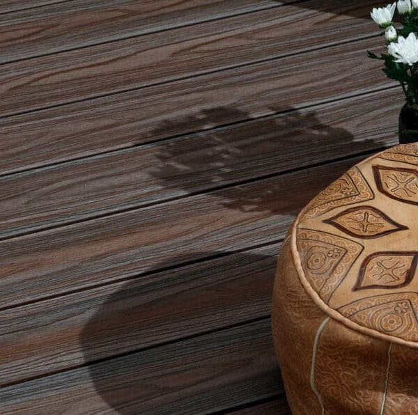 Natural looking wood grain
